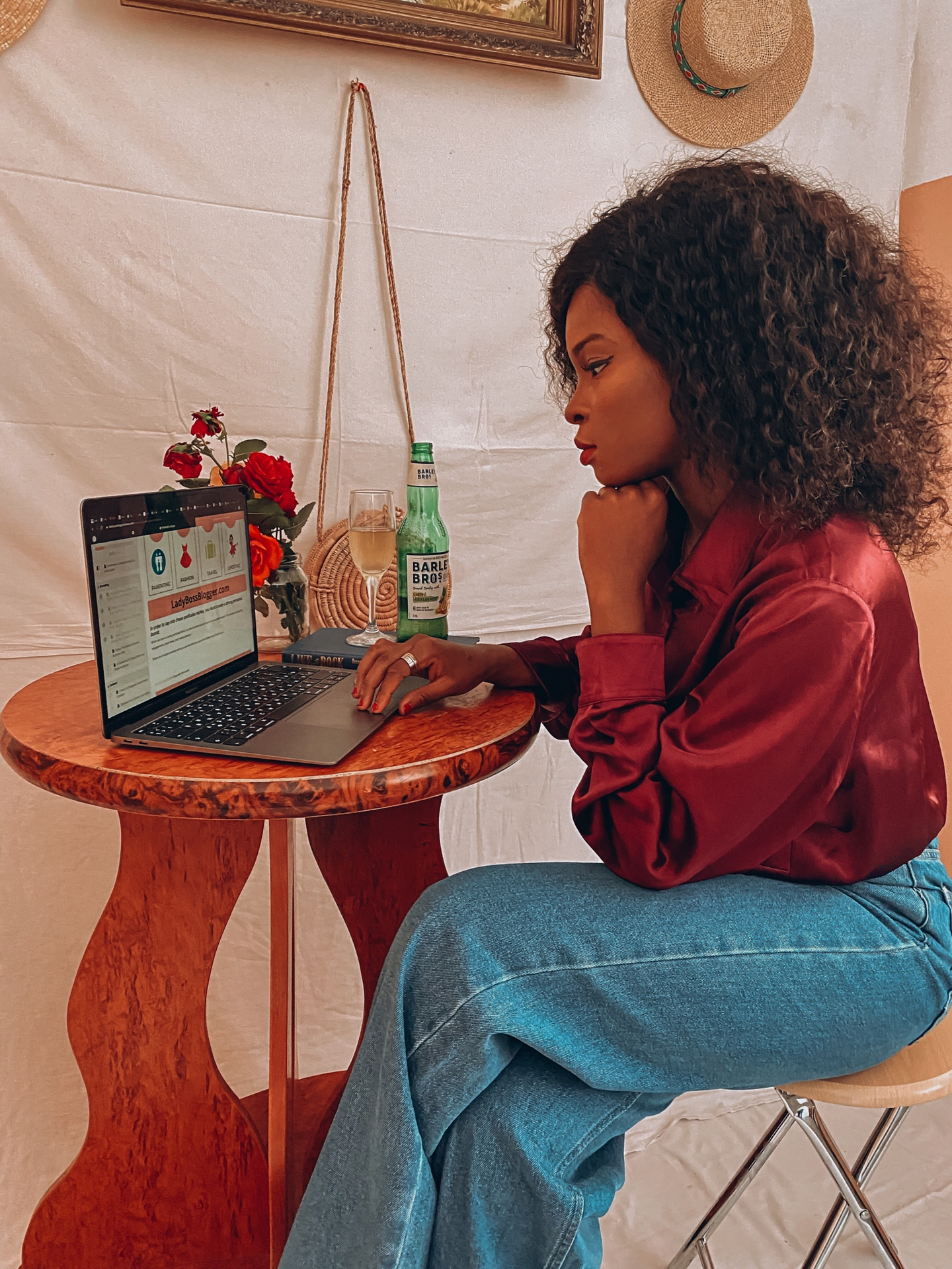 WHY THE LADYBOSSBLOGGER COURSES ARE WORTH INVESTING YOUR TIME IN